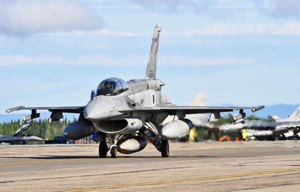F16 PL