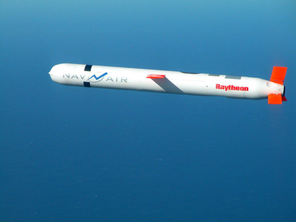 800px-Tomahawk_Block_IV_cruise_missile