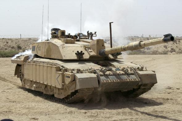 Brytyjski czołg Challenger 2 na patrolu w Iraku. Fot. Wikimedia Commons