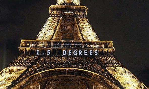 COP21 Wieża Eiffla
