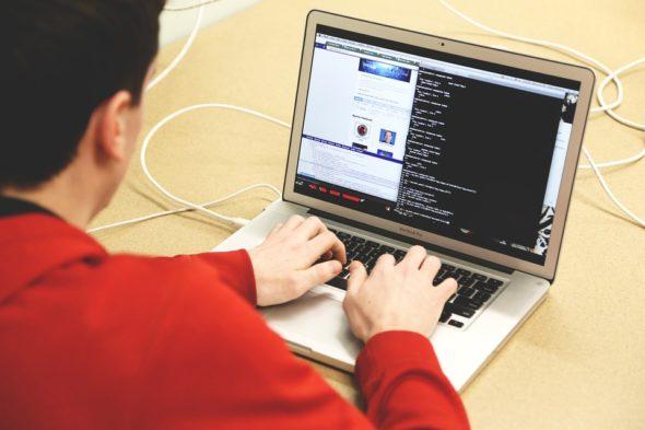 cyberbezpieczeństwo, komputer