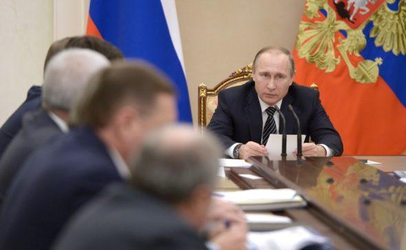 Władimir Putin i szefowie naftowych spółek