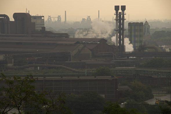 przemysł emisje zanieczyszczenia
