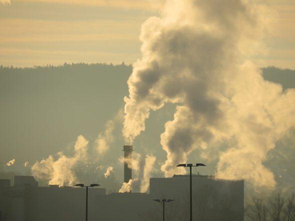 przemysł komin zanieczyszczenia