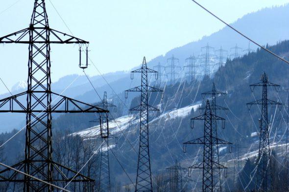 energia kabel pylon energetyka