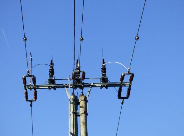 energetyka energia kabel pylon