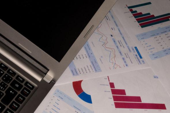 biznes komputer analiza