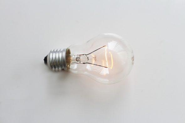 energia elektryczna energetyka żarówka