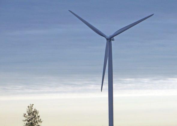 oze energetyka energia odnawialna wiatrak
