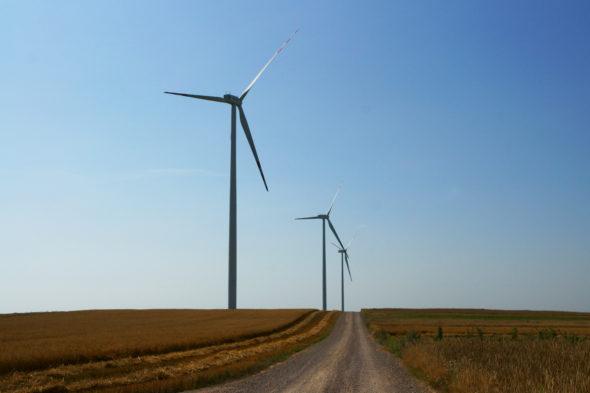 energetyka wiatrowa oze wiatrak