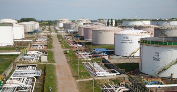 rafineria-gdanska-zbiorniki