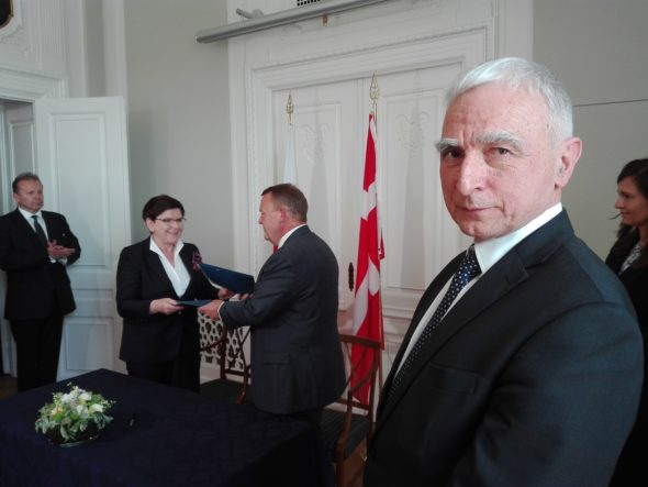 IMGPiotr, Naimski, Premier RP Beata Szydło i premier Danii Lars Lokke Rasmussen w trakcie podpisania memorandum dot. Baltic Pipe