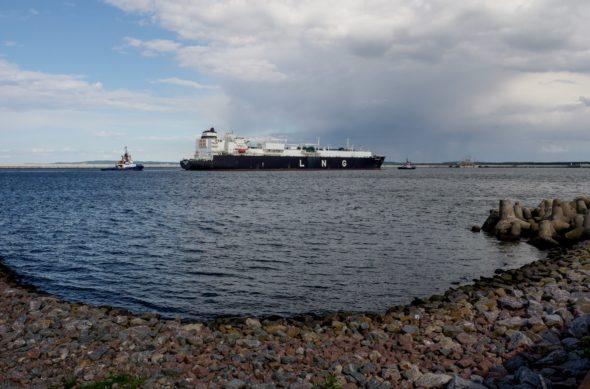 Metanowiec LNG Clean Ocean w Świnoujściu. Fot. PGNiG
