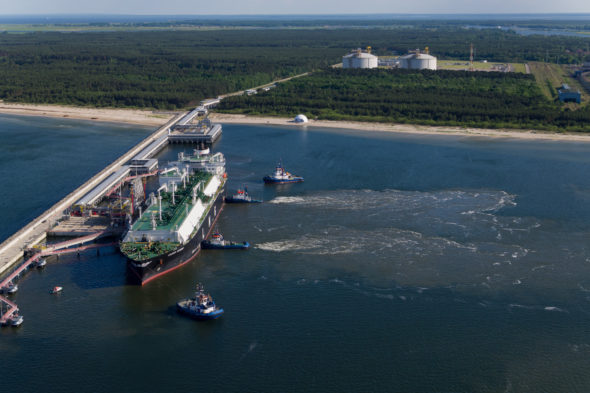 Tankowiec LNG Clean Ocean w Świnoujściu. Fot. PGNiG