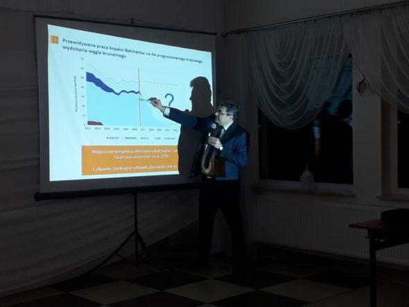 Grzegorz Tobiszowski rozmawiał z mieszkańcami oraz lokalnymi władzami Złoczewa na temat perspektyw dla węgla brunatnego. Fot. Ministerstwo Energii