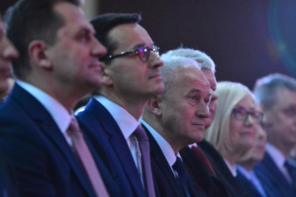 Premier Mateusz Morawiecki i minister energii Krzysztof Tchórzewski. Fot. Enea energetyka kozienice