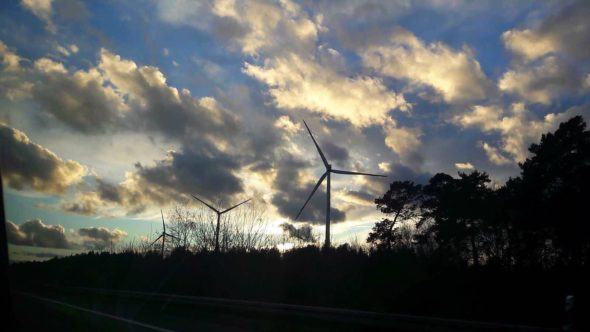 wiatrak OZE energetyka