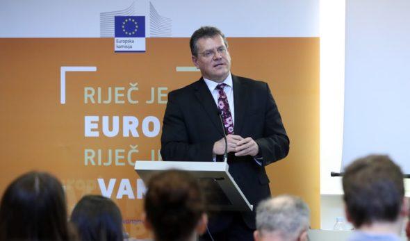 Wiceprzewodniczący Komisji Europejskiej, Marosz Szefczovicz podczas wizyty w Chorwacji. Fot. Twitter, Marosz Szefczovicz