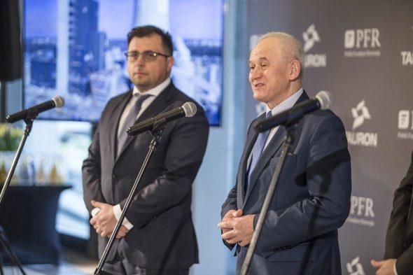 Minister energii Krzysztof Tchórzewski i prezes Taurona Filip Grzegorczyk na konferencji prasowej. Fot. Tauron