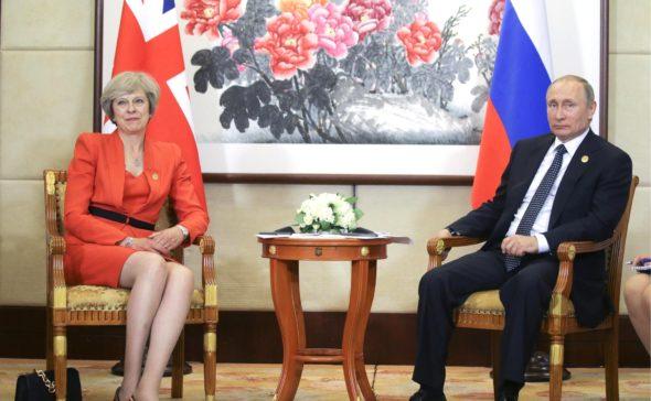 Premier Wielkiej Brytanii Theresa May i prezydent Rosji Władimir Putin. Źródło: Wikipedia