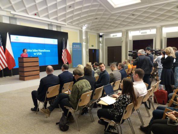 Minister-Przedsiębiorczości i Technologii–Jadwiga-Emilewicz-podczas-konferencji-dotyczącej-otwarcia-Polskiej-Izby-Handlowej-w-USA.Fot_.-MPiT.-Źródło-Twitter.