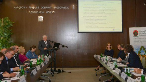 """Eksperci z Komisji Europejskiej i Banku Światowego zapoznali się z programem """"Czyste Powietrze"""". Fot.: NFOŚiGW"""