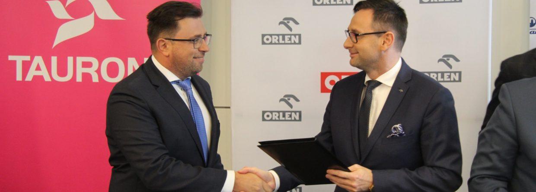Prezes Grupy Tauron, Filip Grzegorczyk i prezes PKN Orlen Daniel Obajtek. Fot. Tauron