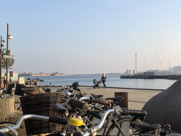 Rower – stały element krajobrazu duńskich ulic. Nordhavn. Fot. BiznesAlert.pl