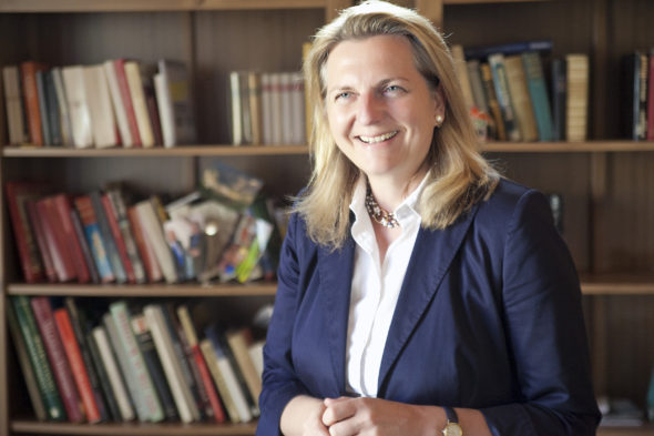 Minister spraw zagranicznych Austrii Karin Kneissl. Źródło: Wikipedia