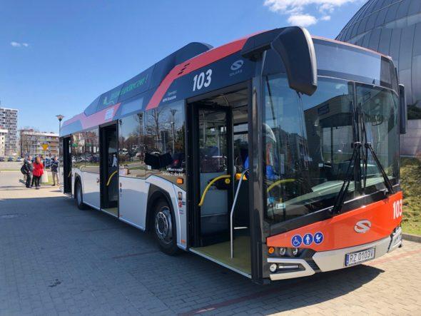 Autobus elektryczny produkcji Solaris for. BiznesAlert.pl