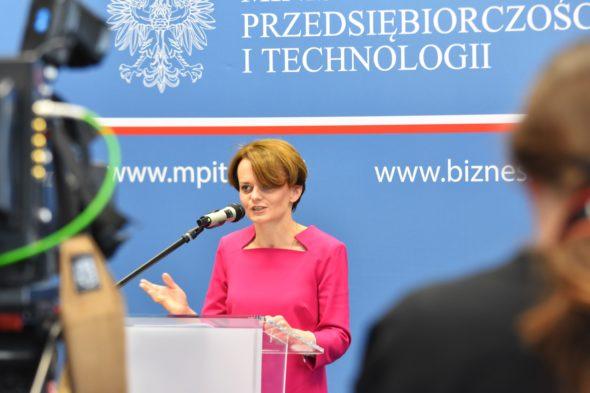 Minister Przedsiębiorczości i Technologii Jadwiga Emilewicz. Fot. MPiT