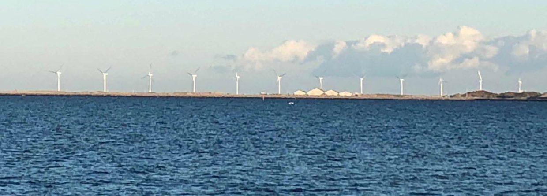 Morska farma wiatrowa Middelgrunden w pobliżu Kopenhagi. Fot. BiznesAlert.pl/Bartłomiej Sawicki