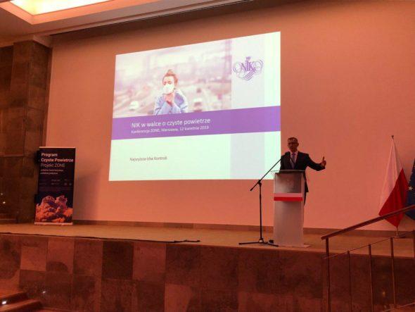 """Krzysztof Kwiatkowski, prezes Najwyższej Izby Kontroli, podczas konferencji """"Czyste Powietrze. Projekt Zone"""". Fot. BiznesAlert.pl"""