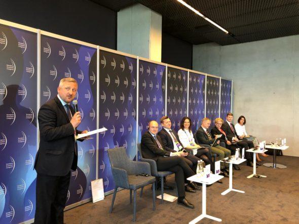 """Panel """"Zielona energia w Europie"""" podczas EKG 2019 fot. BiznesAlert.pl"""