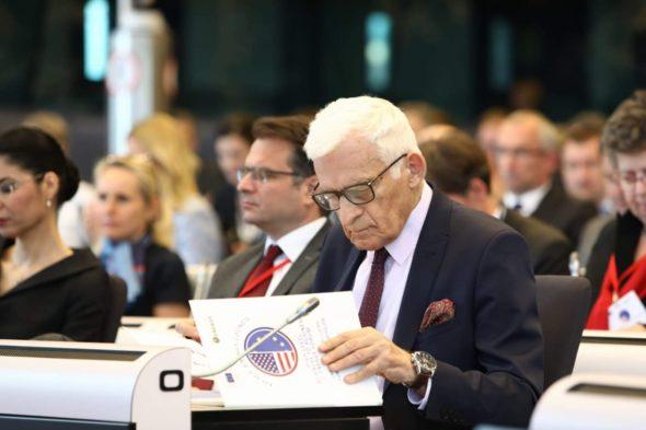 Przewodniczący komisji ITRE w Parlamencie Europejskim Jerzy Buzek fot. Komisja Europejska