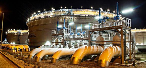 Magazyny ropy. Fot. PERN