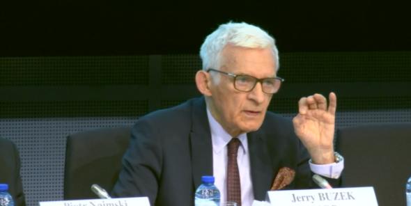 Przewodniczący komisji ITRE w Parlamencie Europejskim Jerzy Buzek fot. BiznesAlert.pl