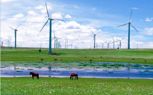 Turbiny wiatrowe na stepach w Mongolii Wewnętrznej