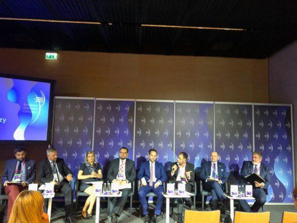 """Panel """"Sektor naftowy i chemiczny"""" podczas EKG 2019 Fot. BiznesAlert.pl"""