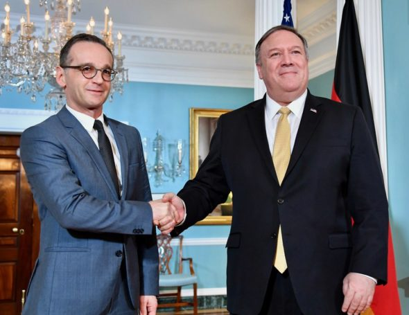 Spotkanie sekretarza stanu USA Mike'a Pompeo z niemieckim ministrem spraw zagranicznych Haiko Maasem w Berlinie. Źródło: Flickr