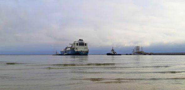 61 dostawa LNG do Gazoportu w Świnoujściu. Gazowiec Maran Gas Sparta. Fot. Polskie LNG