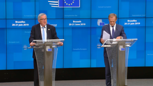Donald Tusk i Jean-Claude Juncker na konferencji prasowej. Fot. BiznesAlert.pl