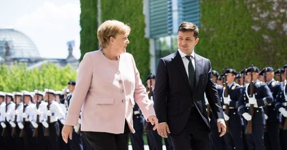 Wołodymyr Zełenski i Angela Merkel