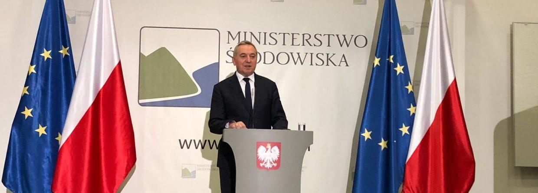 Minister środowiska Henryk Kowalczyk na konferencji prasowej. Fot. Bartłomiej Sawicki/BiznesAlert.pl