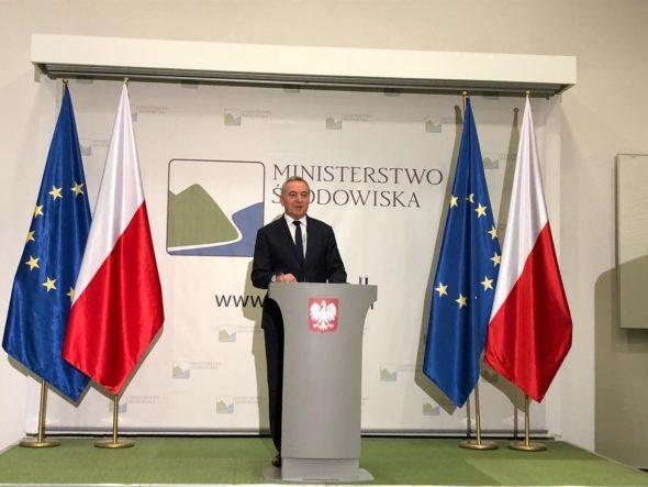 Minister środowiska Henryk Kowalczyk na konferencji prasowej. Fot. Bartłomiej Sawicki:BiznesAlert.pl