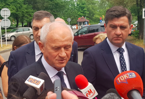 Minister energii Krzysztof Tchórzewski na konferencji prasowej po wypadku w kopalni Murcki-Staszic. Fot. Twitter:Ministerstwo Energii