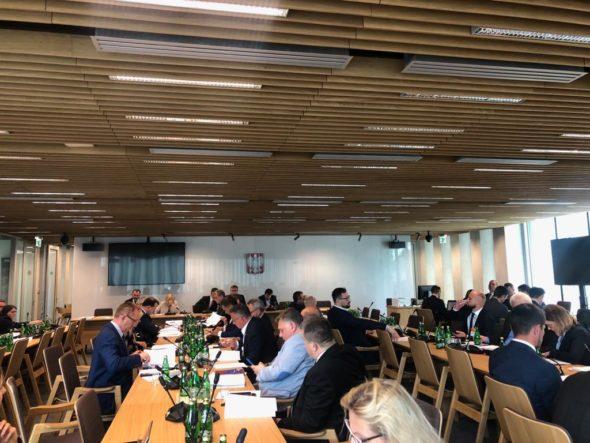 Posiedzenie Komisji Energii i Skarbu Państwa. Pierwsze czytanie nowelizacji ustawy OZE. Fot. Bartłomiej Sawicki/BiznesAlert.pl