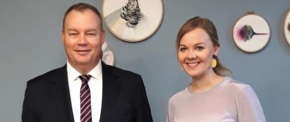 Wiceminister Dąbrowski w trakcie spotkania z Minister Spraw Gospodarczych Finlandii Katri Kulmuni Fot. Ministerstwo Energii