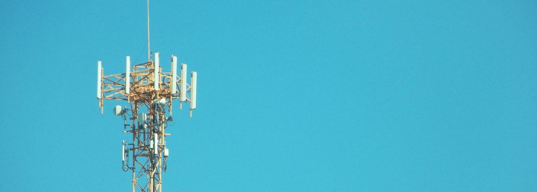 Maszt telekomunikacyjny. Fot. Pxhere