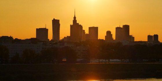 Zachód słońca nad Wisłą w Warszawie. Fot. Flickr